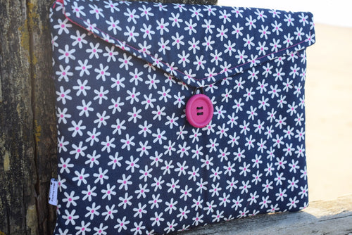 Navy Daisy Print Tablet Bag