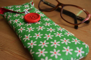 Green Daisy Print Glasses Case