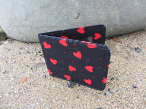 Dark_Red_Hearts_Print_Card_Wallet
