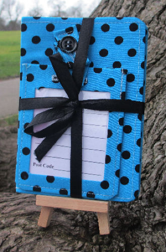 Light_Blue_Polka_Dot_Passport_Cover_and_Luggage_Tag_Gift_Set