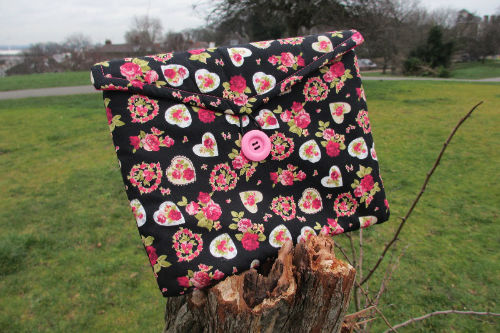 Hearts and Roses Print Tablet Bag - Miss Pretty London UK Limited
