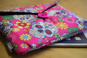 Pink Mexican Skulls Print Tablet Bag - Miss Pretty London UK Limited