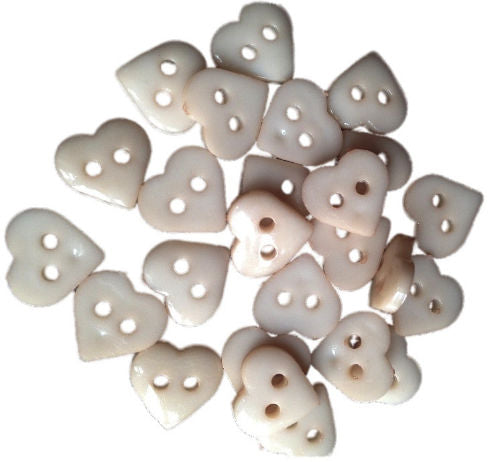 Beige_Plastic_Heart_Buttons_-_Pack_of_10