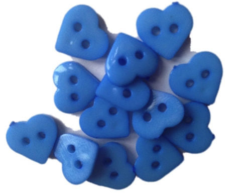 Blue_Plastic_Heart_Buttons_-_Pack_of_10