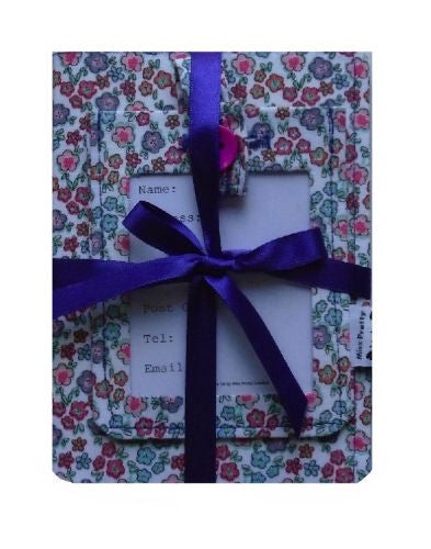 Ditsy_Flowers_Print_Passport_Cover_and_Luggage_Tag_Gift_Set