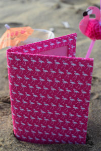 Pink_Flamingo_Print_Passport_Wallet