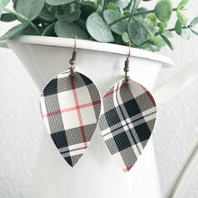 Load image into Gallery viewer, Plaid Petal Earrings