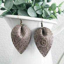 Load image into Gallery viewer, Embossed Petal Earrings