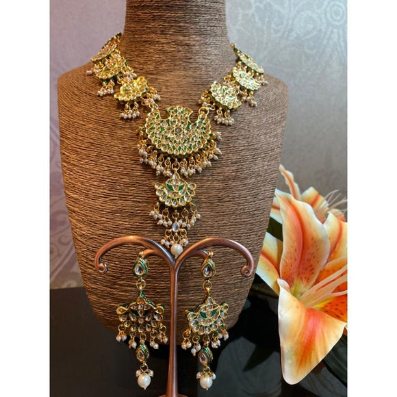 Divija Necklace Set