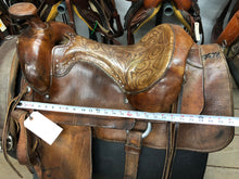 "Load image into Gallery viewer, 16"" Western Saddle with Front Cinch"