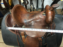 "Load image into Gallery viewer, 15"" WR Western Saddle"