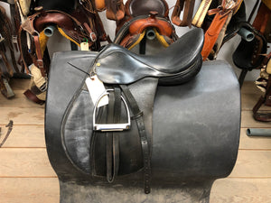 "17"" Collegiate English Saddle with Stirrups"