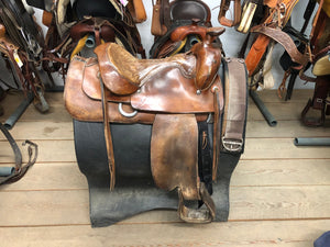 "16"" Western Saddle with Front Cinch"