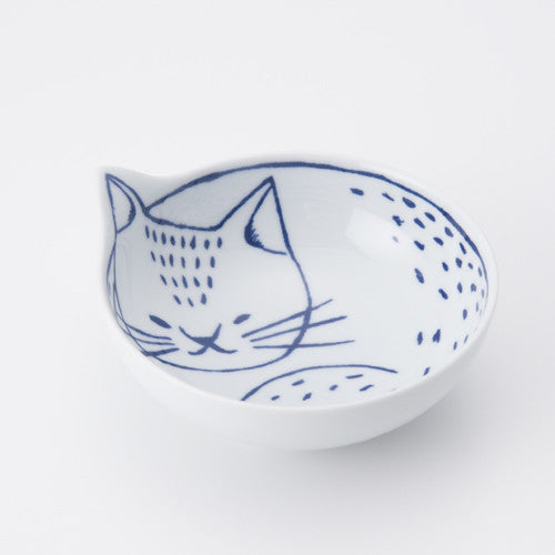 Hasami ware cat bowl