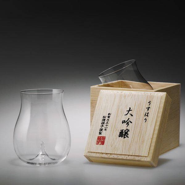 Usuhari - DAIGINJO with wooden box | SHOTOKU Glass