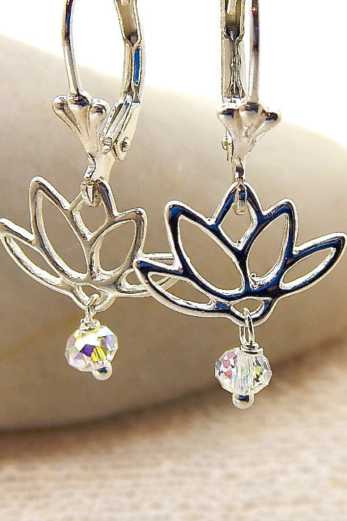 Mini Water Lily Earring - Lily Silhouette