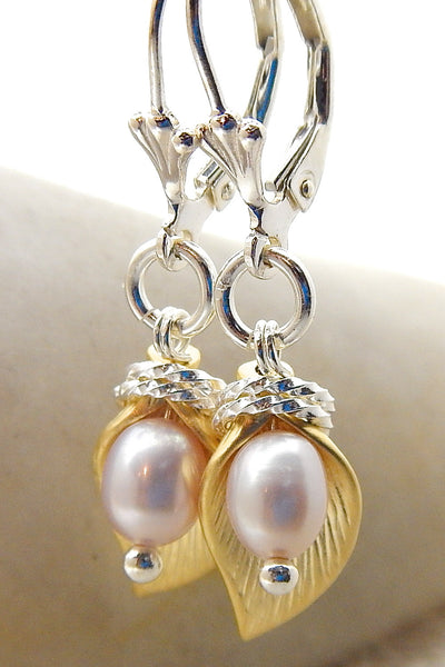 Mini Lily Earring - Pearl Lily