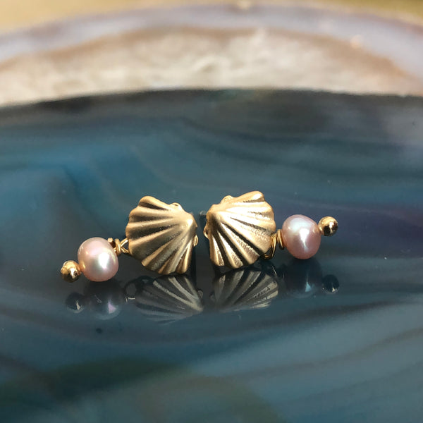 Shell Pearl Drop Stud