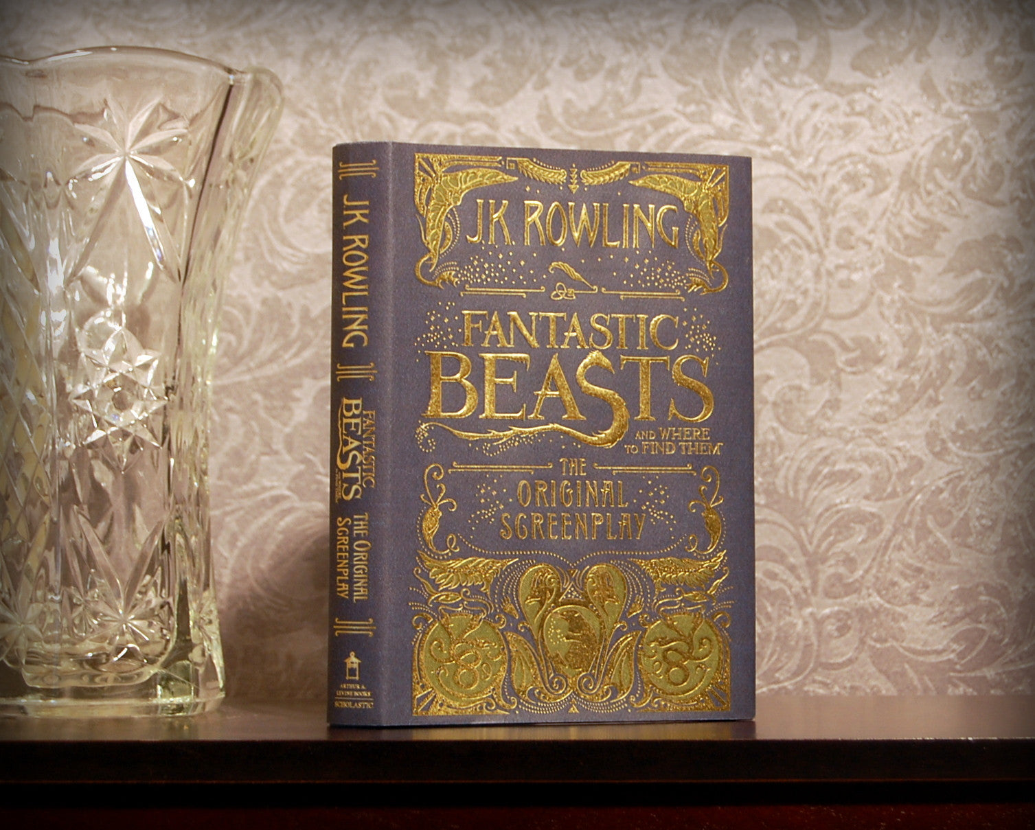 Fantastic Beasts and Where to Find Them / Rowling - Secret Safe Books  - 1