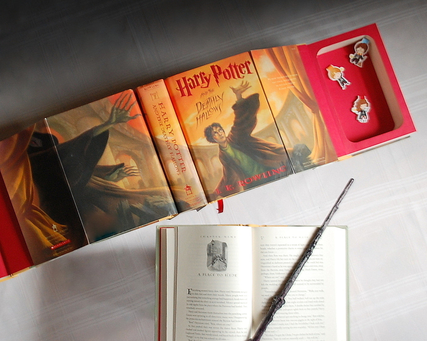 Harry Potter & the Deathly Hallows / J.K. Rowling