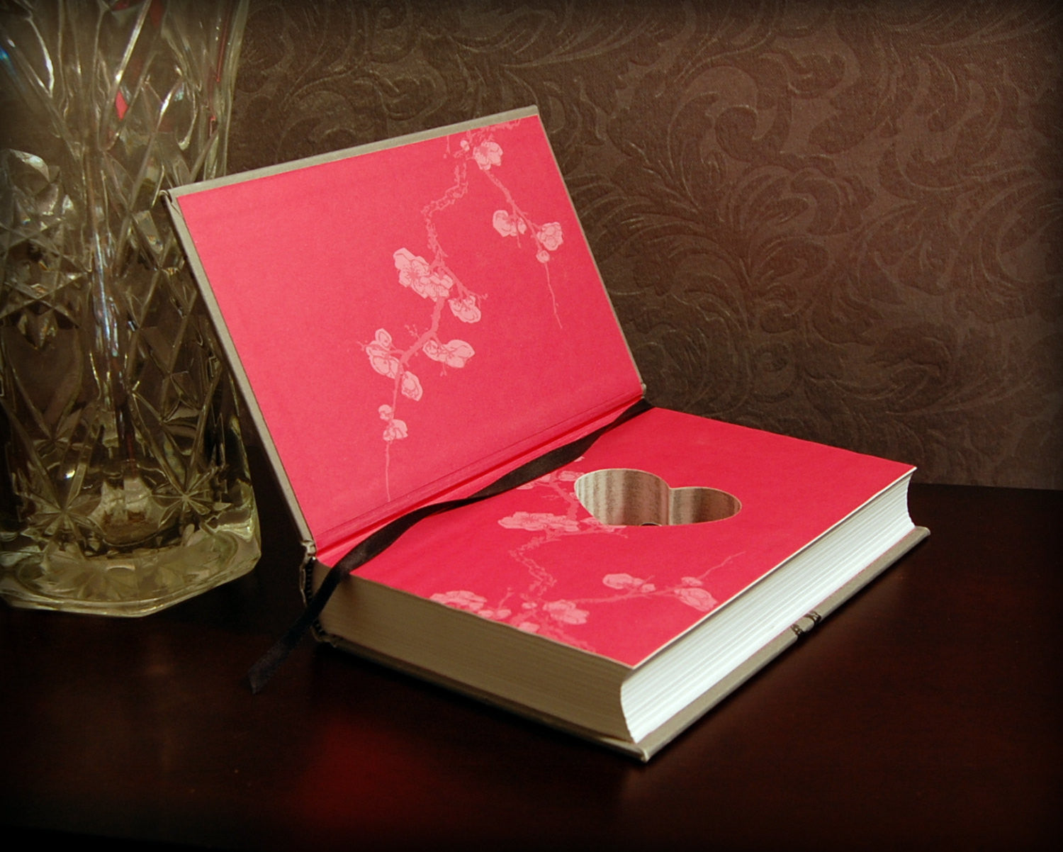 Pride and Prejudice (B) (with Heart cutout) / Jane Austen - Secret Safe Books  - 1