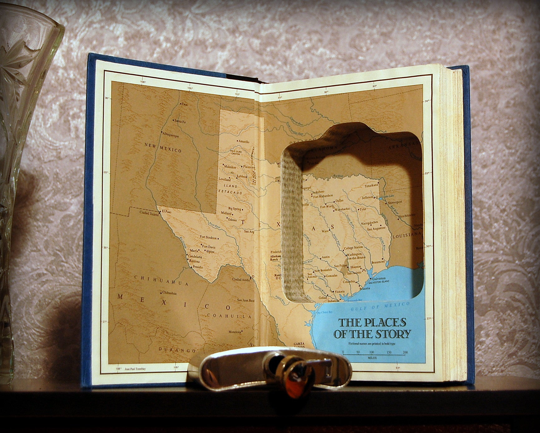 Texas Vol. 1 / James Michener - Secret Safe Books  - 1