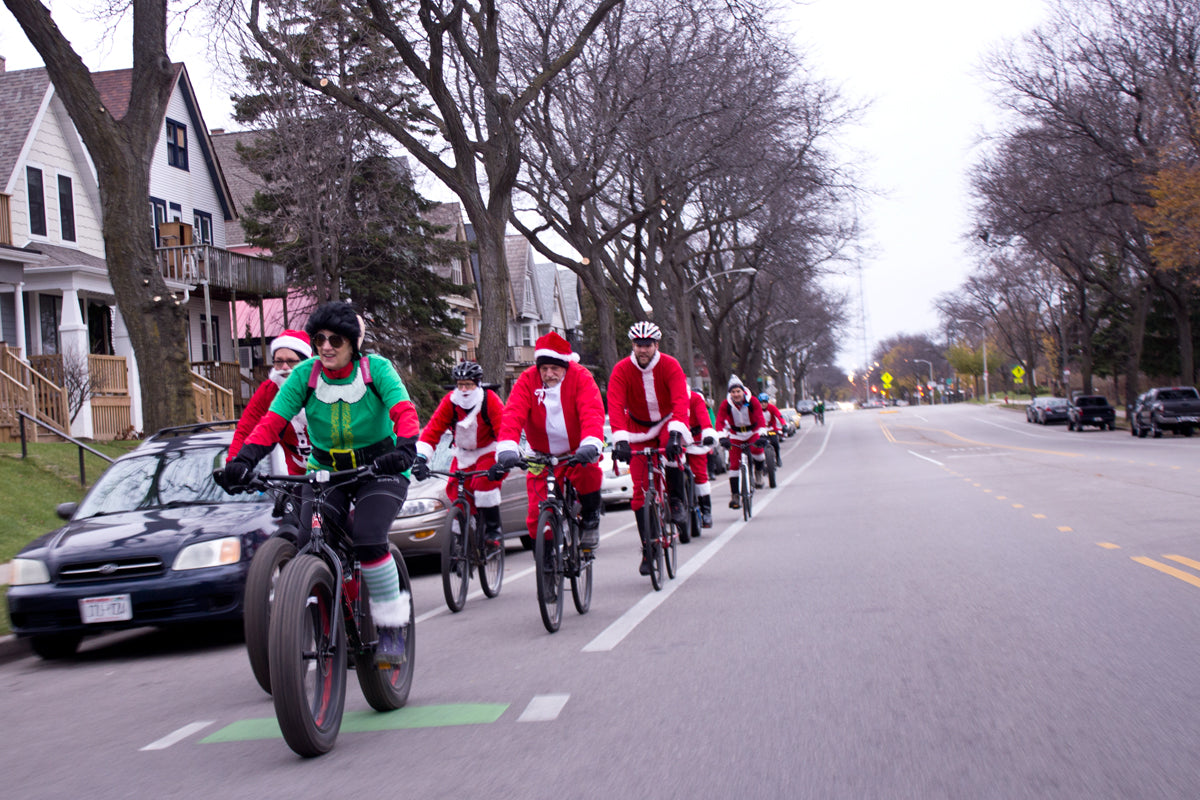 Santa Rampage 2016 rolling out from Fyxation Bicycle Co.