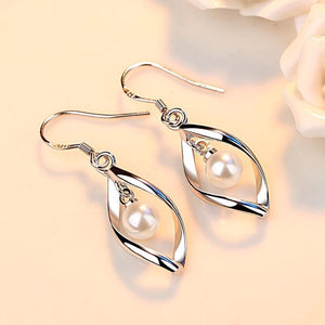 Silver Geometric Twist Pearls Earrings