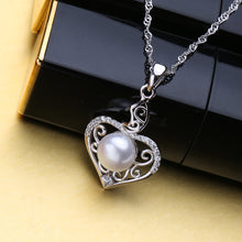 Load image into Gallery viewer, 925 Heart Framed Necklace