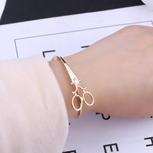 Load image into Gallery viewer, Scissors bangle
