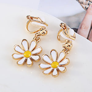 Daisy Flower Clip On Earrings