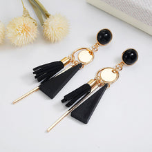 Load image into Gallery viewer, Golden Tassel Clip on Earrings