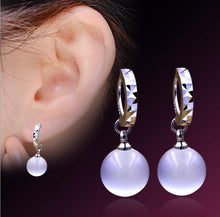 Load image into Gallery viewer, Silver Plated Moon Stone Earrings