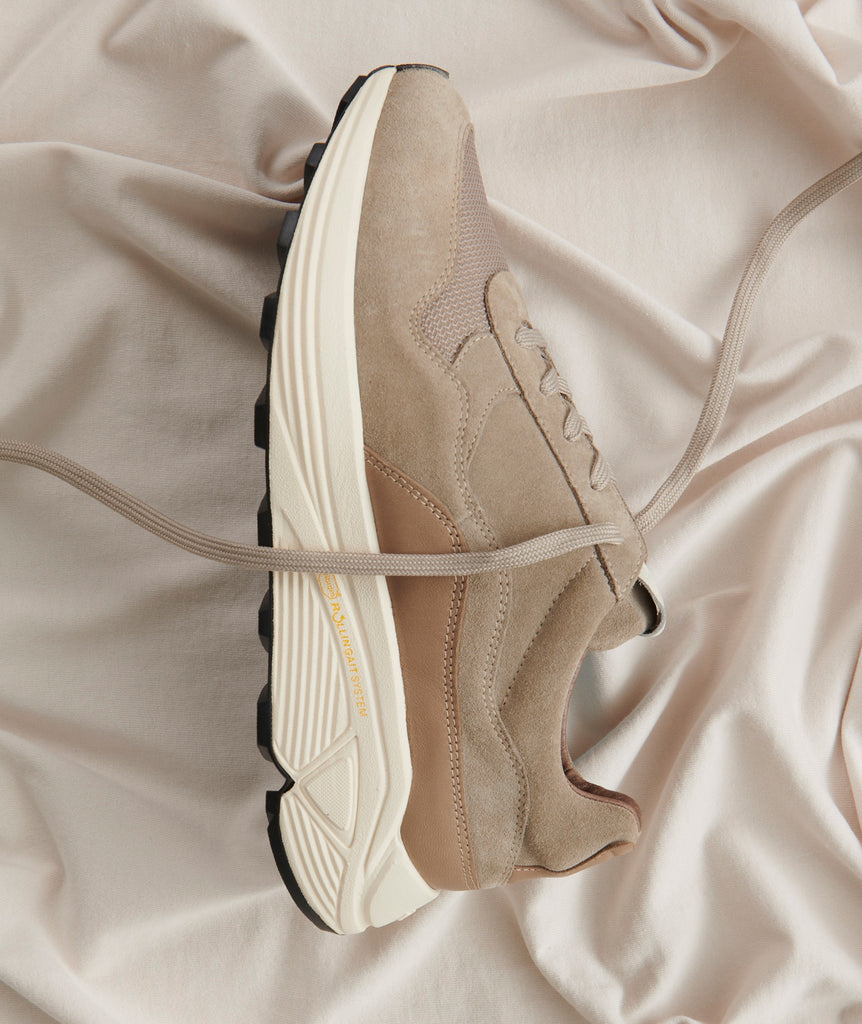 GARMENT PROJECT MAN Bailey Runner - Earth Suede / Off White Sneakers 260 Earth