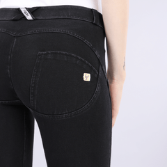 WR.UP® Regular Waist Black Denim (J7N)
