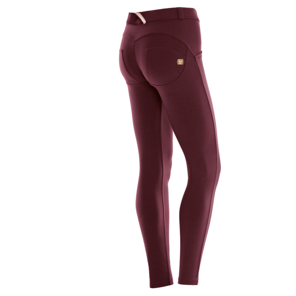 WR.UP® Regular Waist Burgundy (K78)