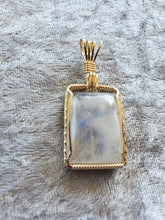 Load image into Gallery viewer, Custom Moonstone Necklace 14kgf Wire Wrapped