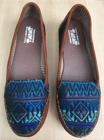 Blue sapphire, loafers, moccassins