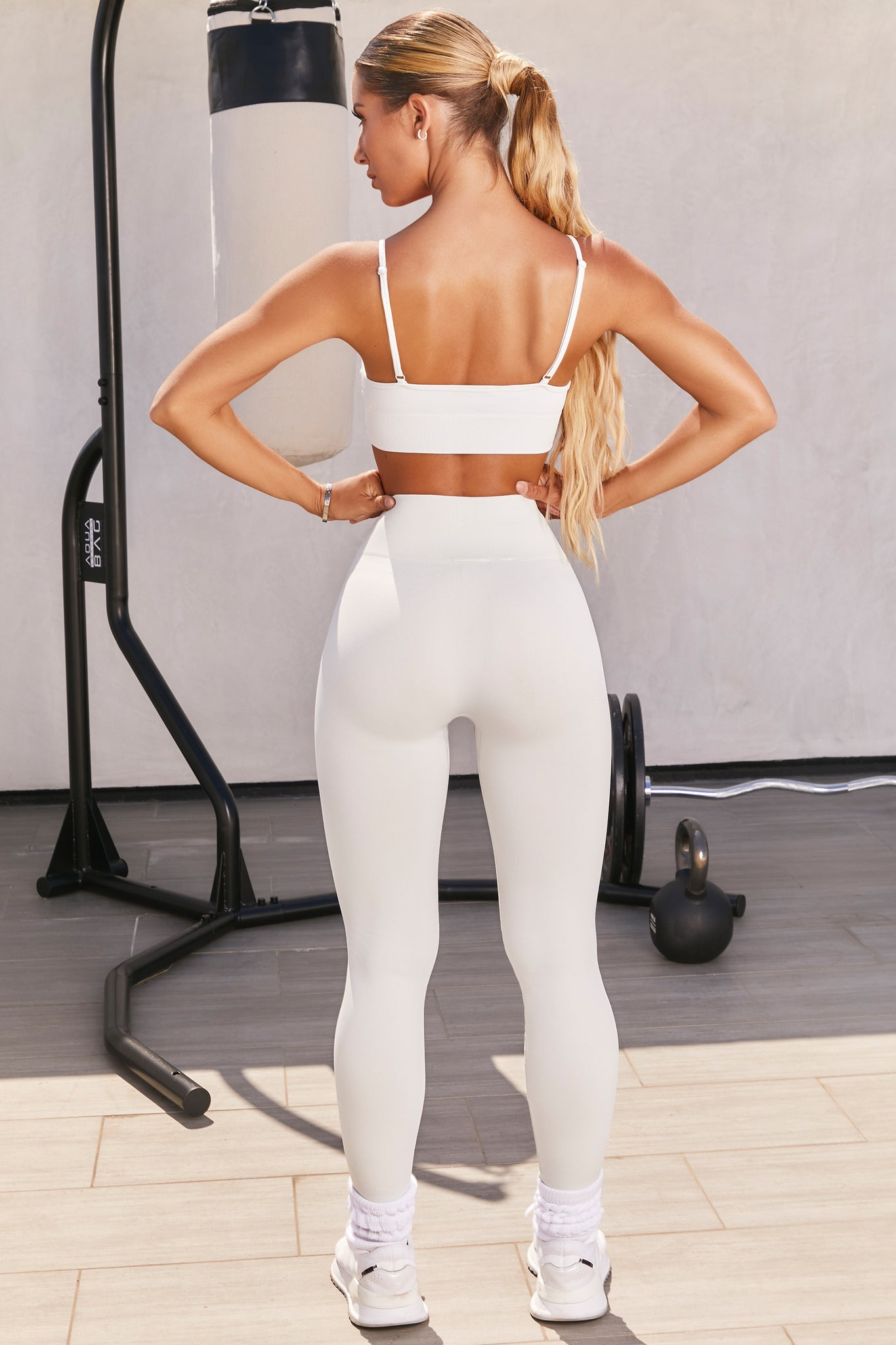 Plain light grey seamless high waisted full length gym leggings. Image 3 of 6.
