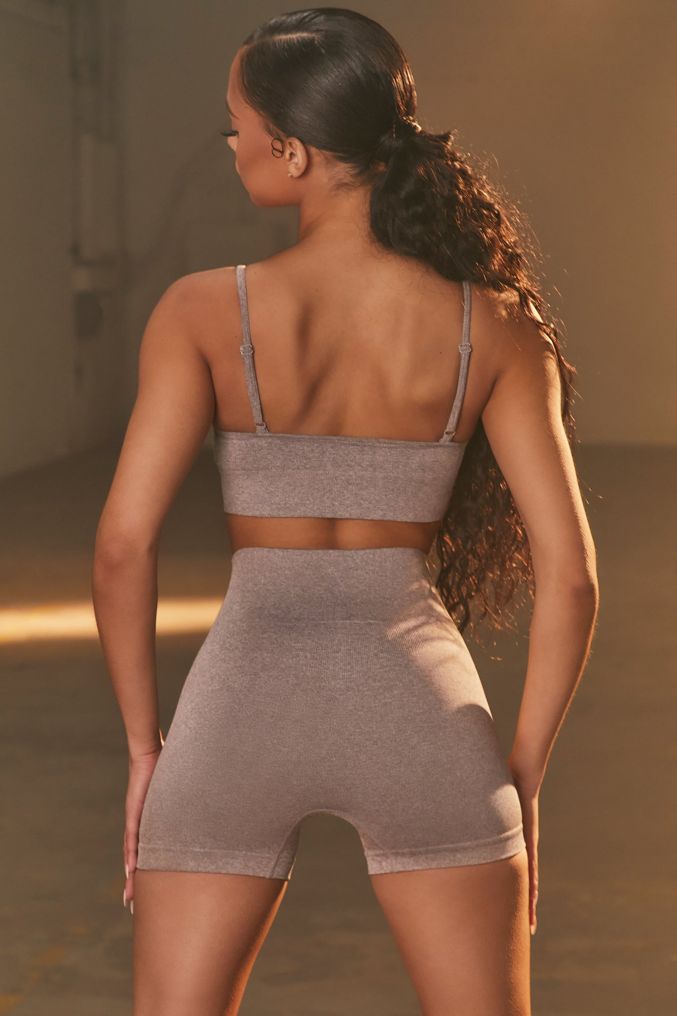 Empower - Sports Bra in Dark Grey
