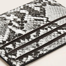 Load image into Gallery viewer, Snakeskin Card Pouch