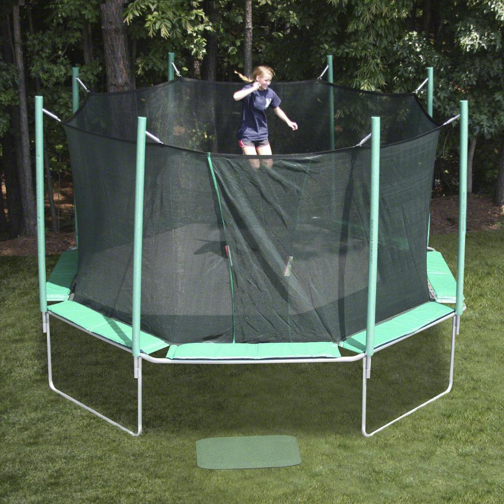 octagonal trampoline for adults to have fun