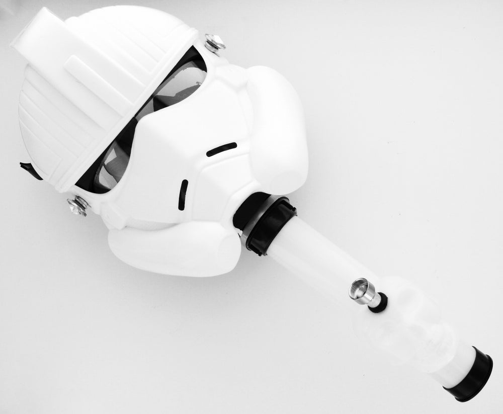 STORM TROOPER GAS MASK WATER PIPE