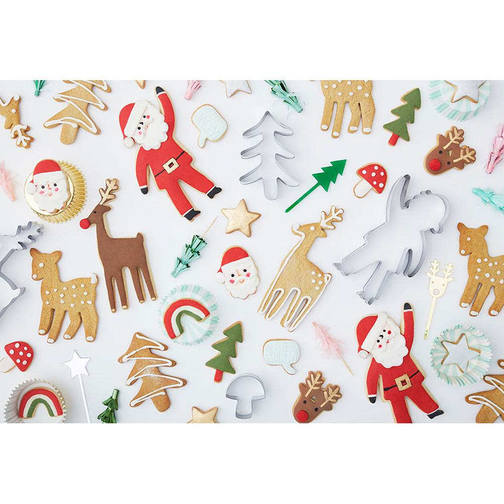 meri-meri-festive-icons-wrapping-paper-roll- (2)