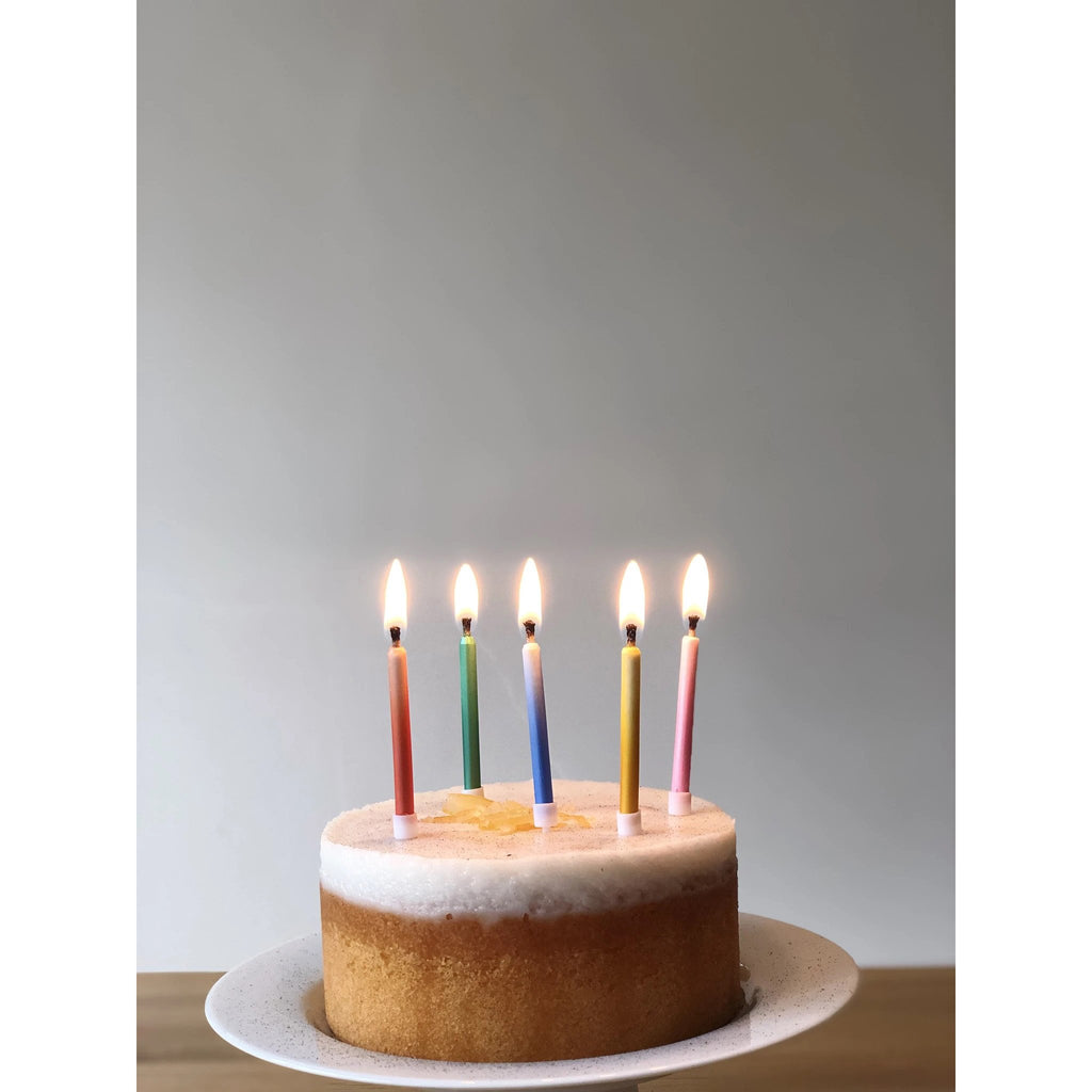 talking-tables-birthday-brights-rainbow-magic-relighting-candles-pack-of-24- (3)