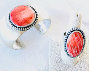 Red Spiny Oyster Shell Cuff Bracelet