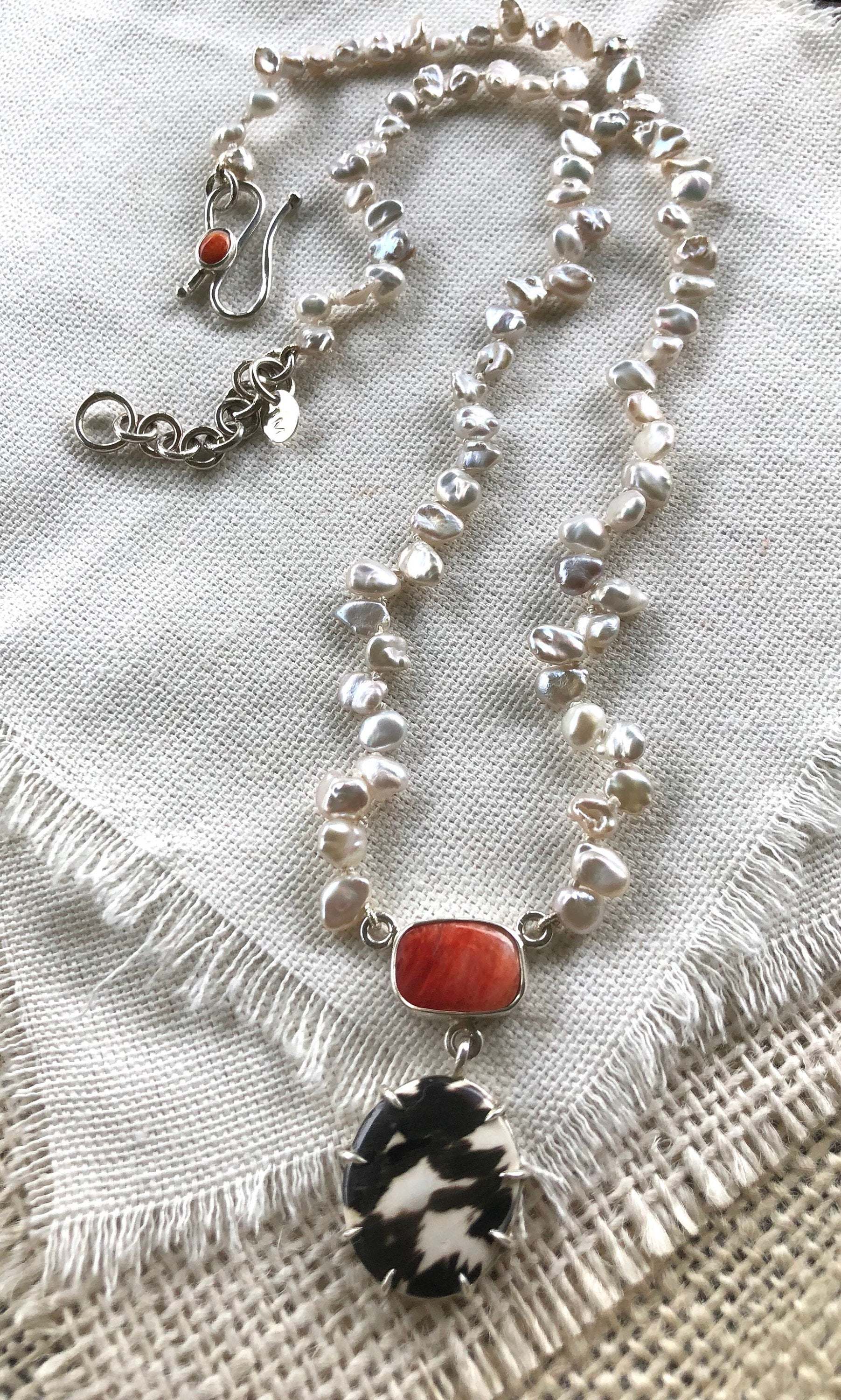 Spiny Oyster Shell Pendant on Pearls, Spiny Oyster Shell Jewelry, Spiny Oyster Shell Necklace, Spiny Oyster Shell, Pearl Jewelry