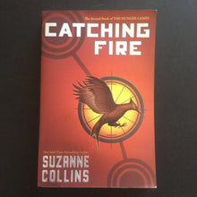 Load image into Gallery viewer, Suzanne Collins - Catching Fire