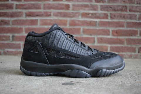 "Air Jordan 11 Low I.E. ""Referee"""