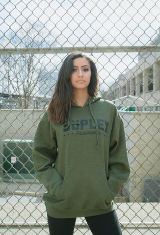 "Suplex Hooded Sweat ""Olive Script"""